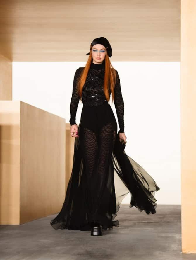 sfilata versace FW21
